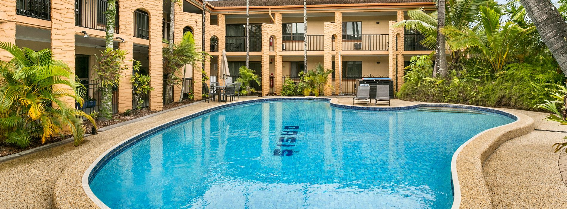 Cairns Holiday Apartments Oasis Inn Cairns Pool