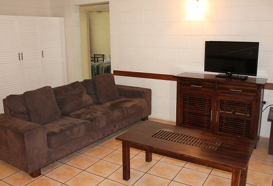 Oasis Inn Holiday Apartments Cairns